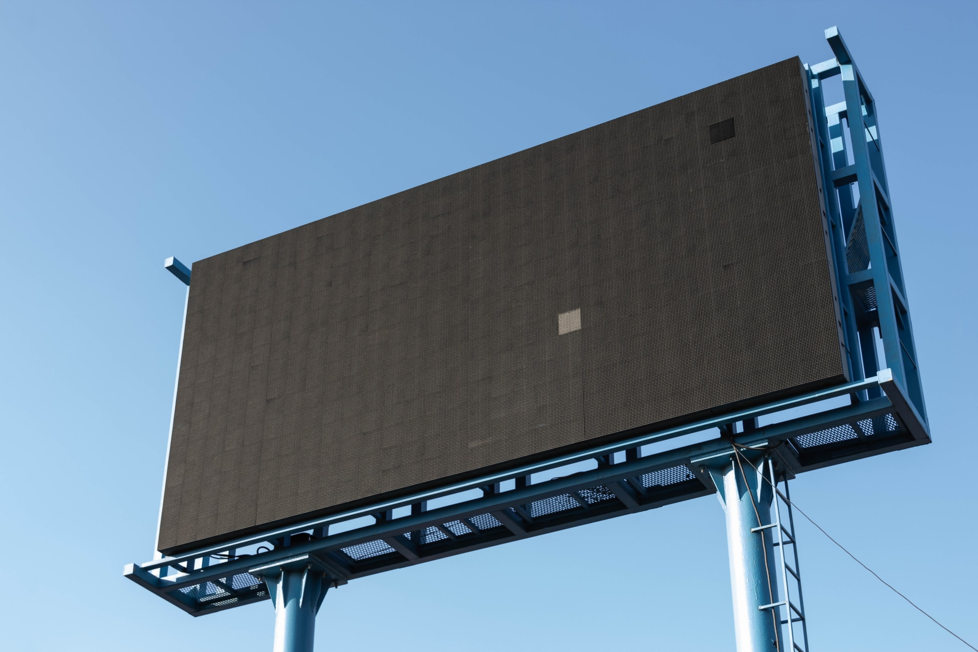 The reason for me to photograph this billboard is that it was turned off :)
