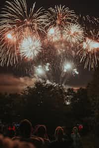 Firework's Kiss first kiss stories