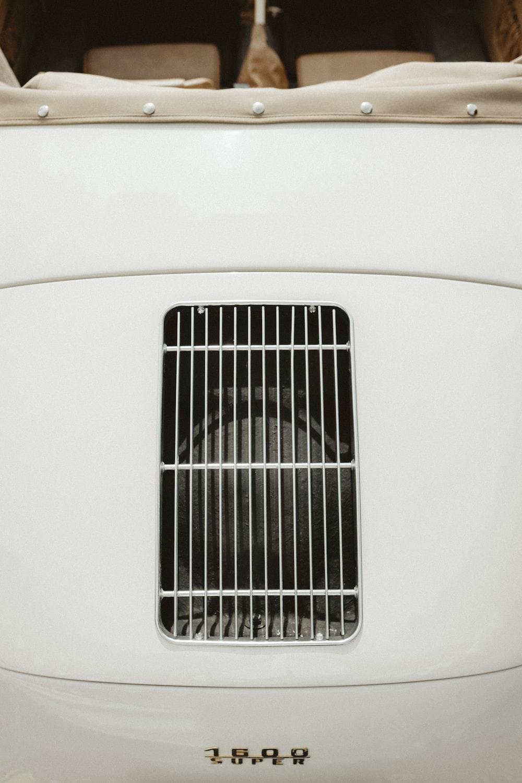 close-up photo of white vehicle