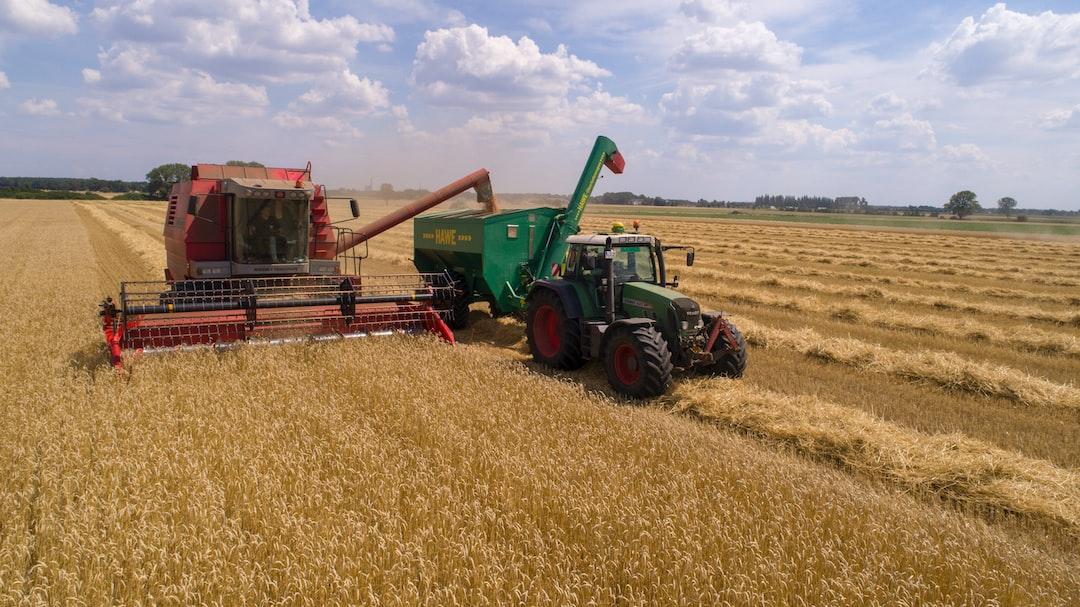 Der Bio-Bauer bei der Ernte