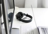 Monotone Headphones