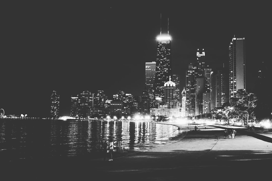 Chicago is my second favourite city in the world. This was my third time there. Winter or summer, it's just a joy being there. Me and my dad had just taken a dip in the beach (it's actually a lake) and were walking along the waters when I took this photo.