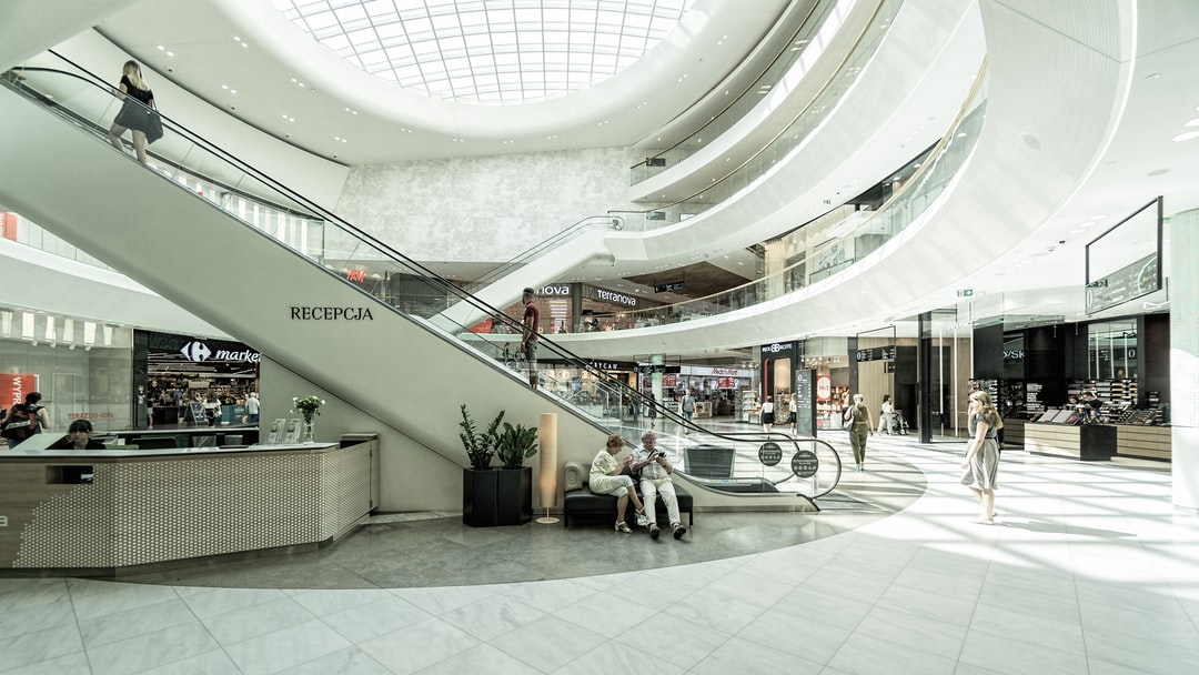 Amazon Looks to Use Empty Mall Space for Fulfillment
