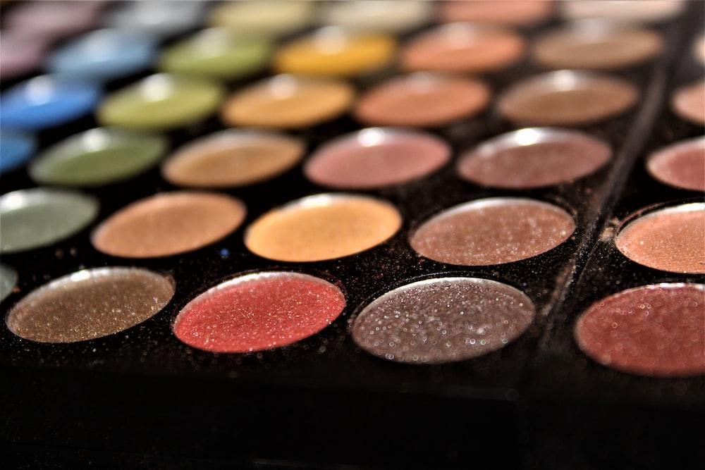 black makeup palette