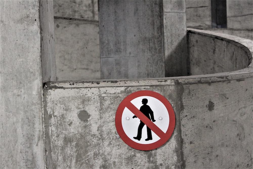 photo of no walking signage
