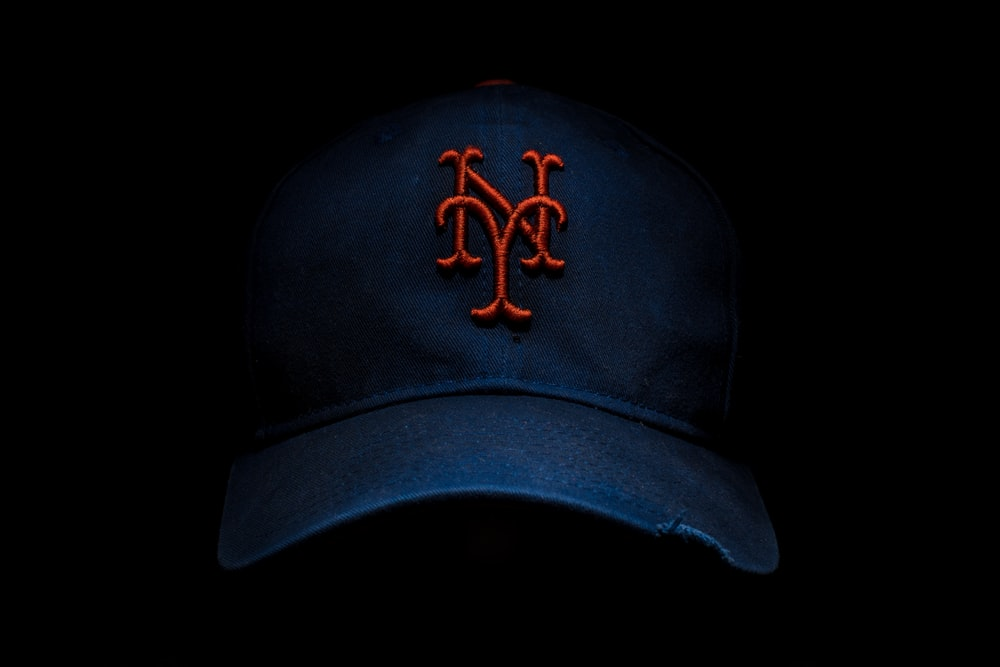 black and red New York fitted cap