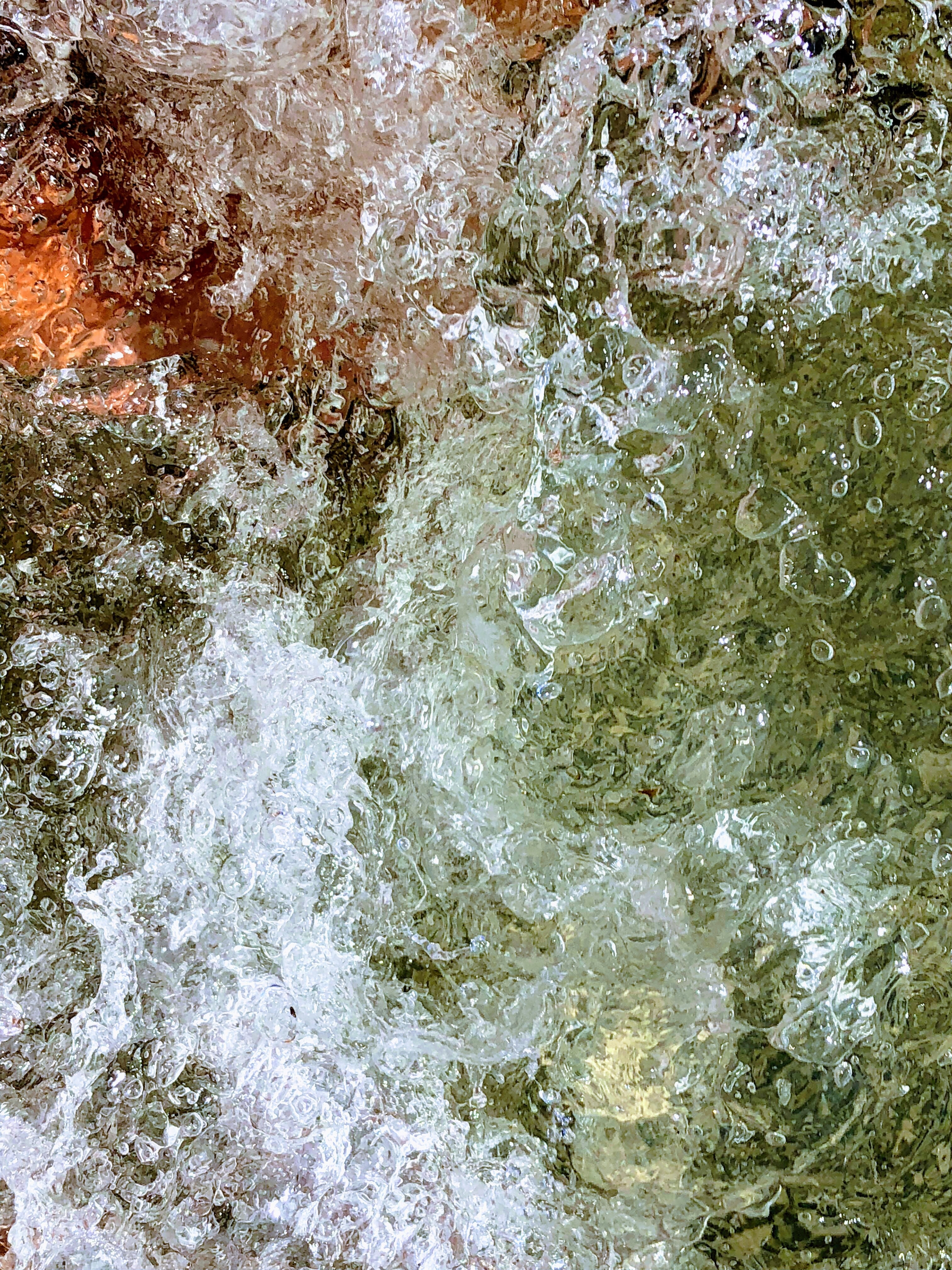 close-up photo of water sprinkle painting
