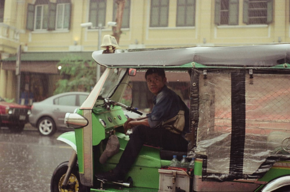 motocarros generan empleo en México