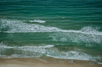 sea wave at daytime