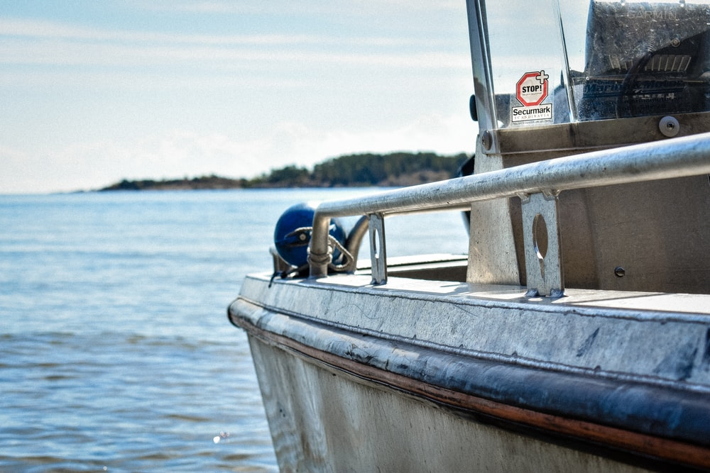 gray powerboat