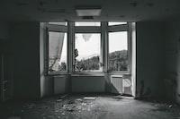 3-panel window
