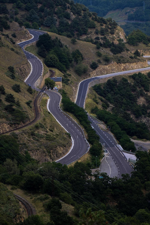 gray asphalt road