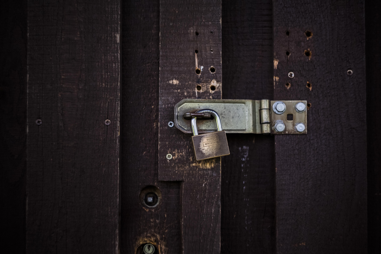 padlock on door hinge