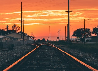 railroad horizon photo
