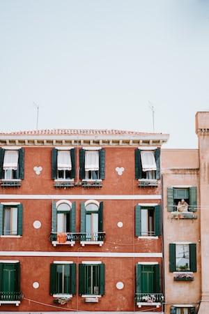 4463. Mediterrán városkép