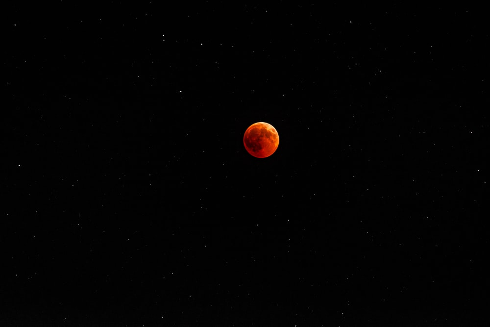 blood moon photography