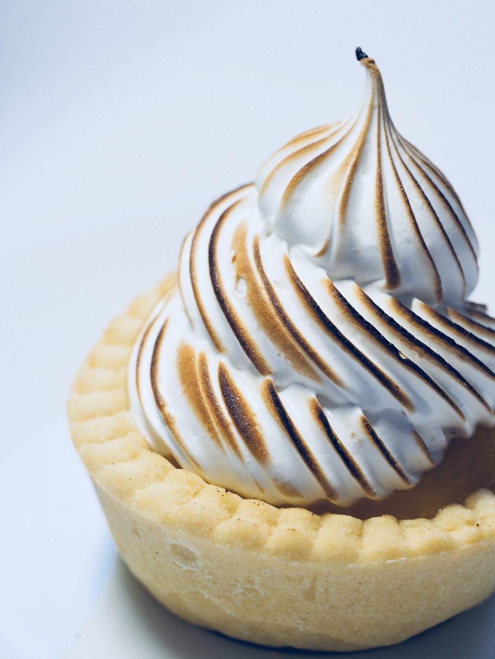 tart with white cream