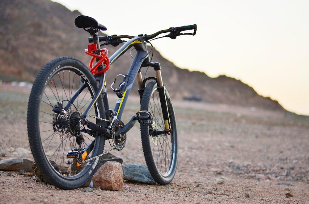 black hardtail mountain bike