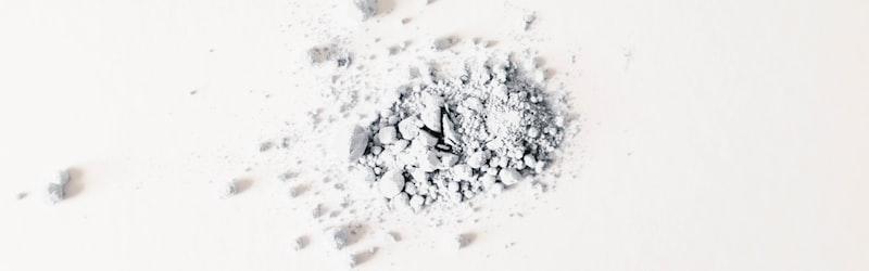 パラコート連続毒殺事件は自動販売機の飲料に毒物が混入された未解決事件。