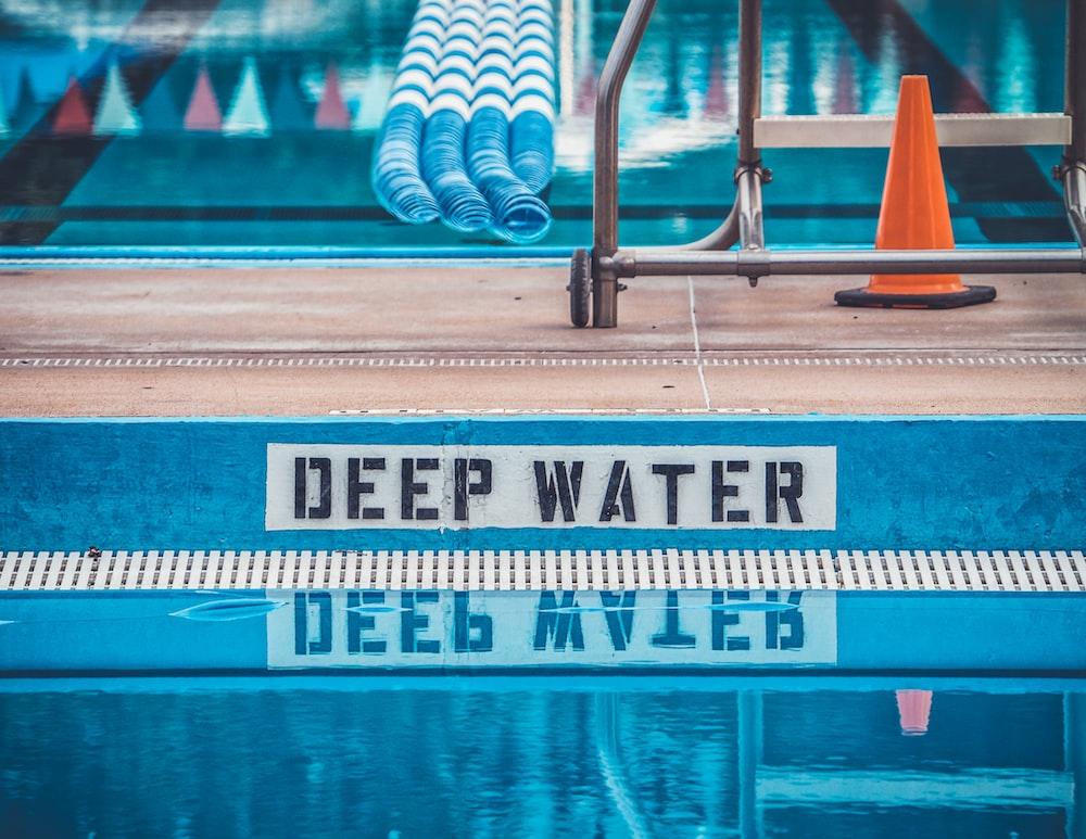 Deep water signage