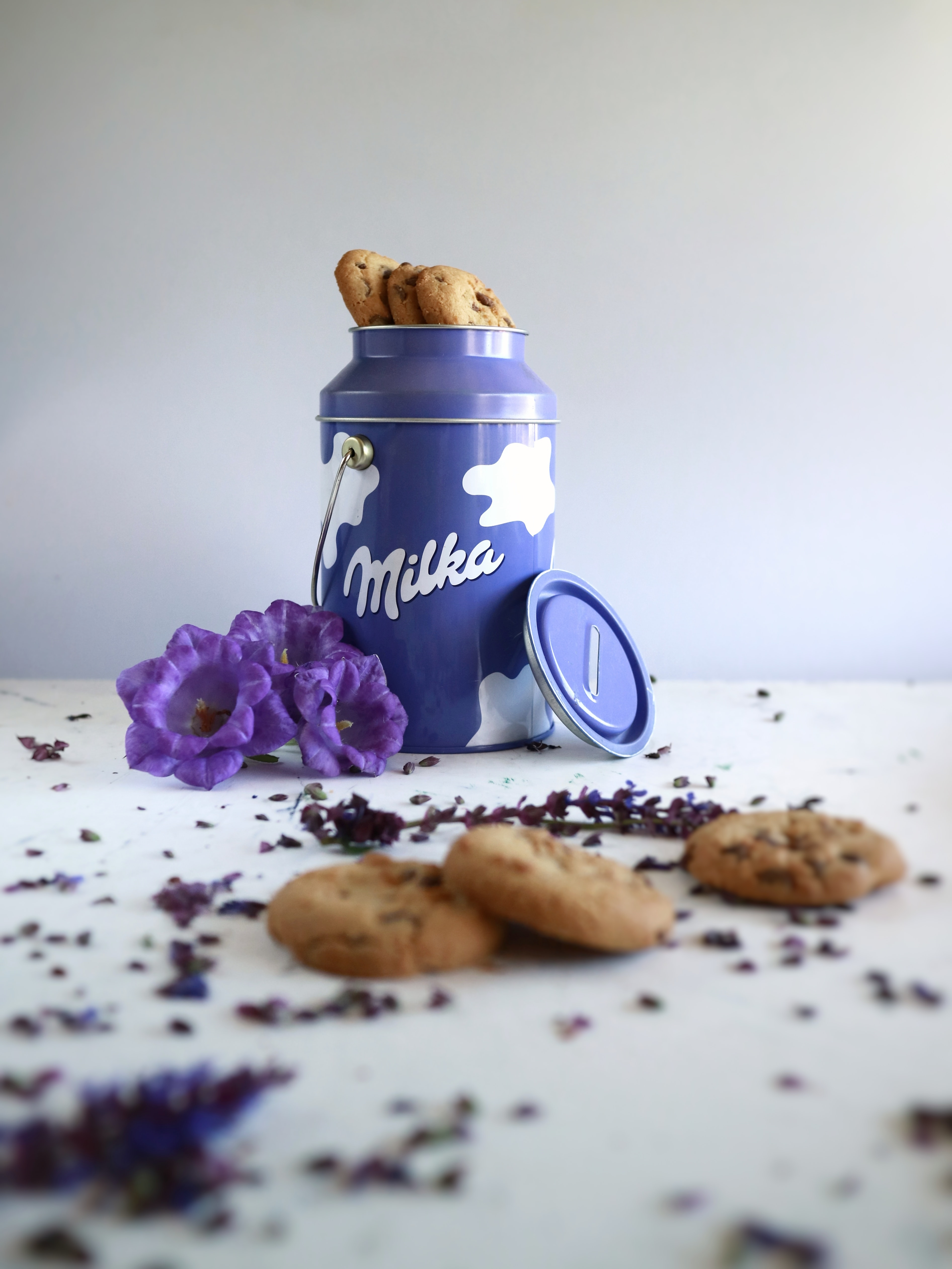 cookies in blue container