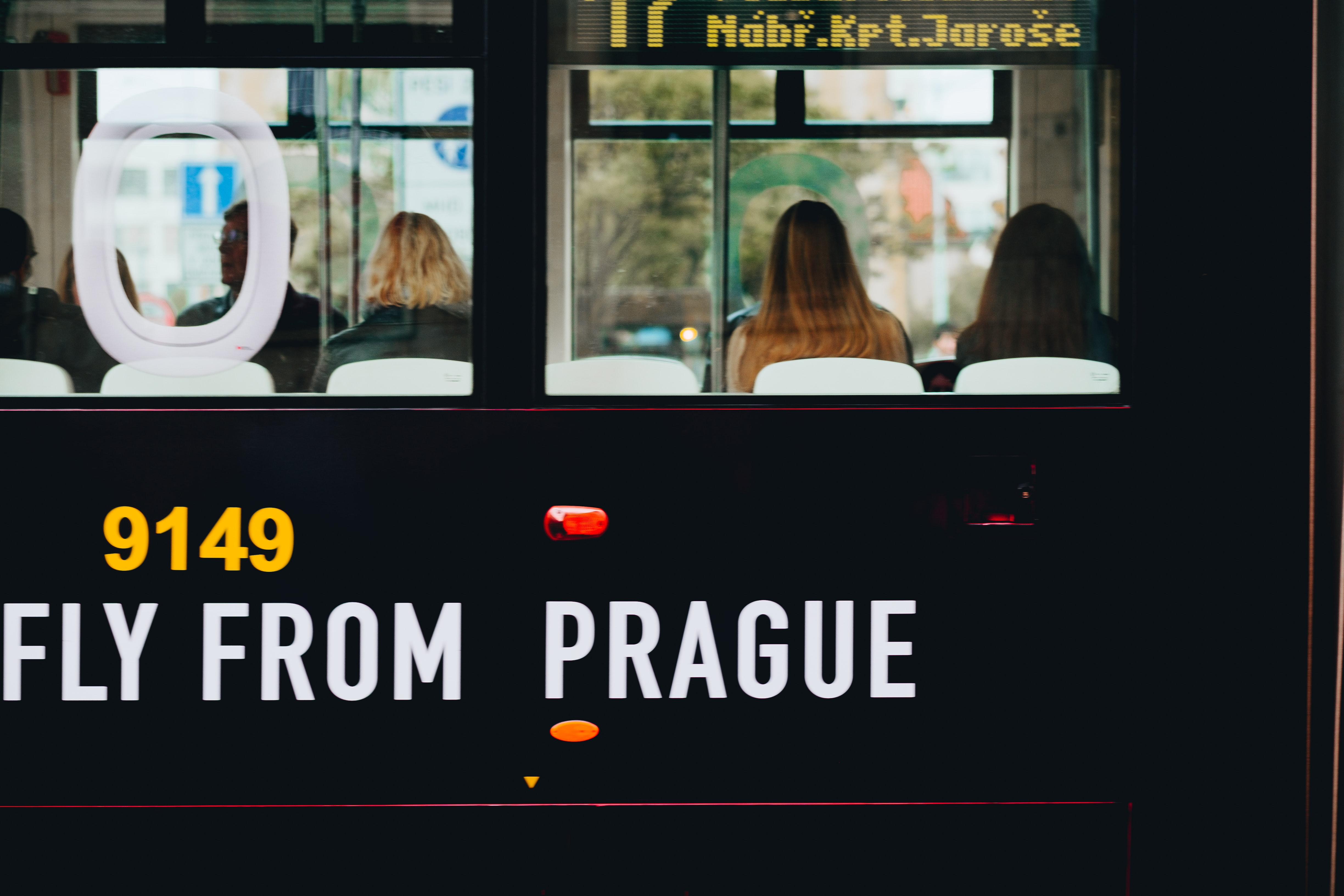 fly from prague text