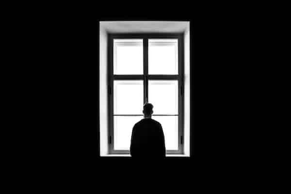 להשתהות בתוך הכאב: על גברים, גבריות ודיכאון