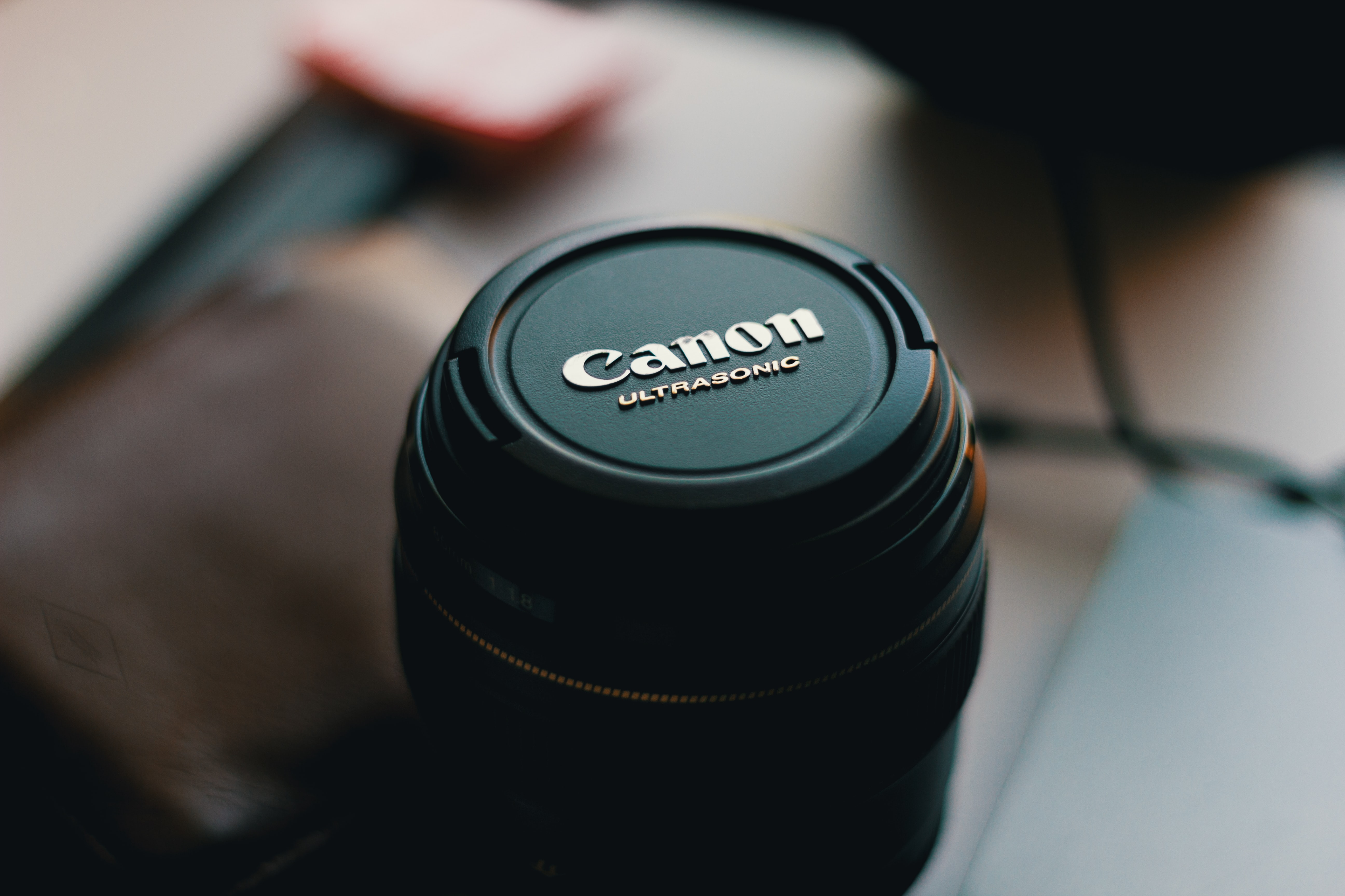 selective focus photo of Canon Ultrasonic zoom lens