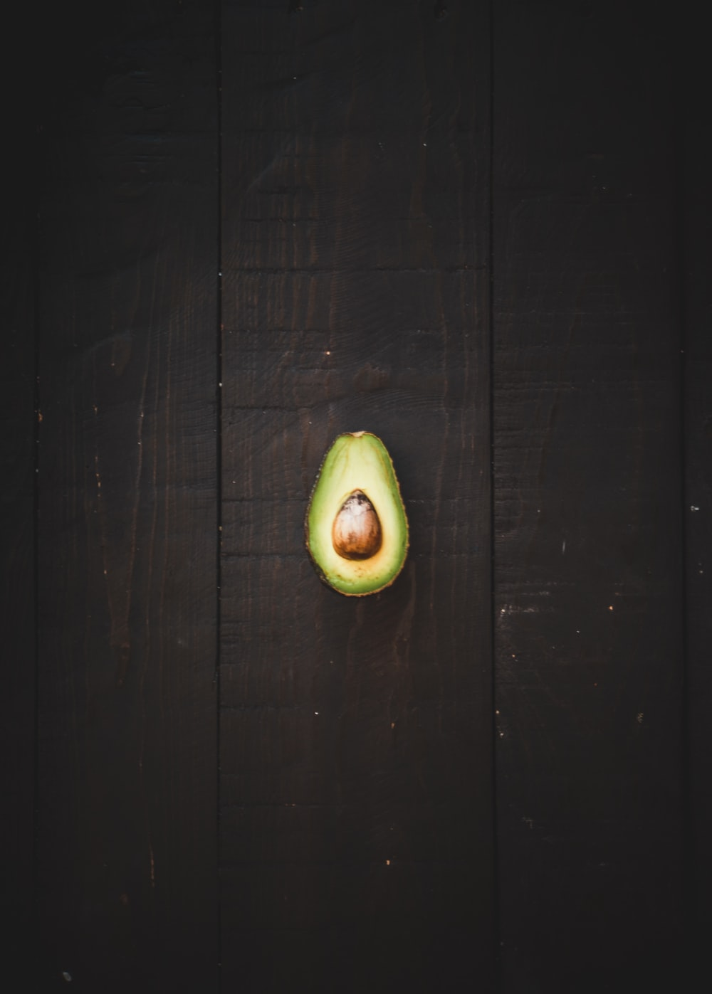 sliced green avocado