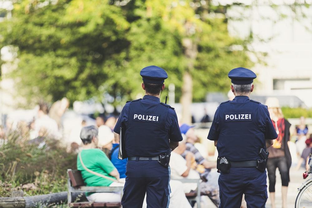 警察の浅い焦点写真