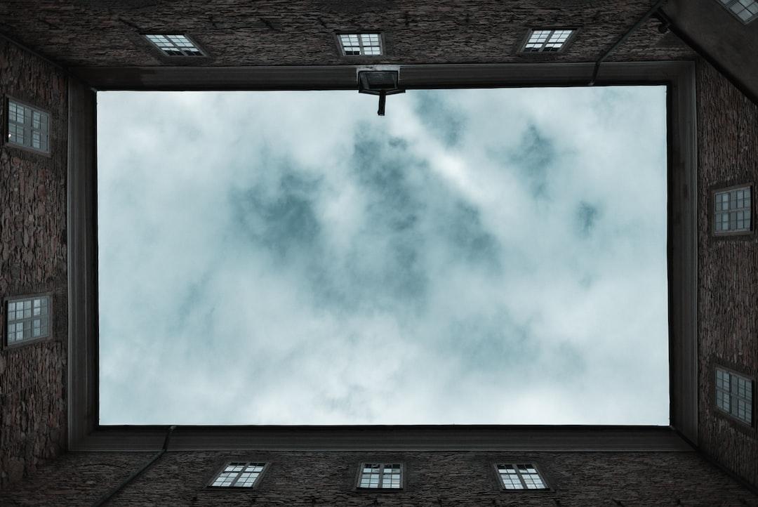 Felszeletelt égbolt