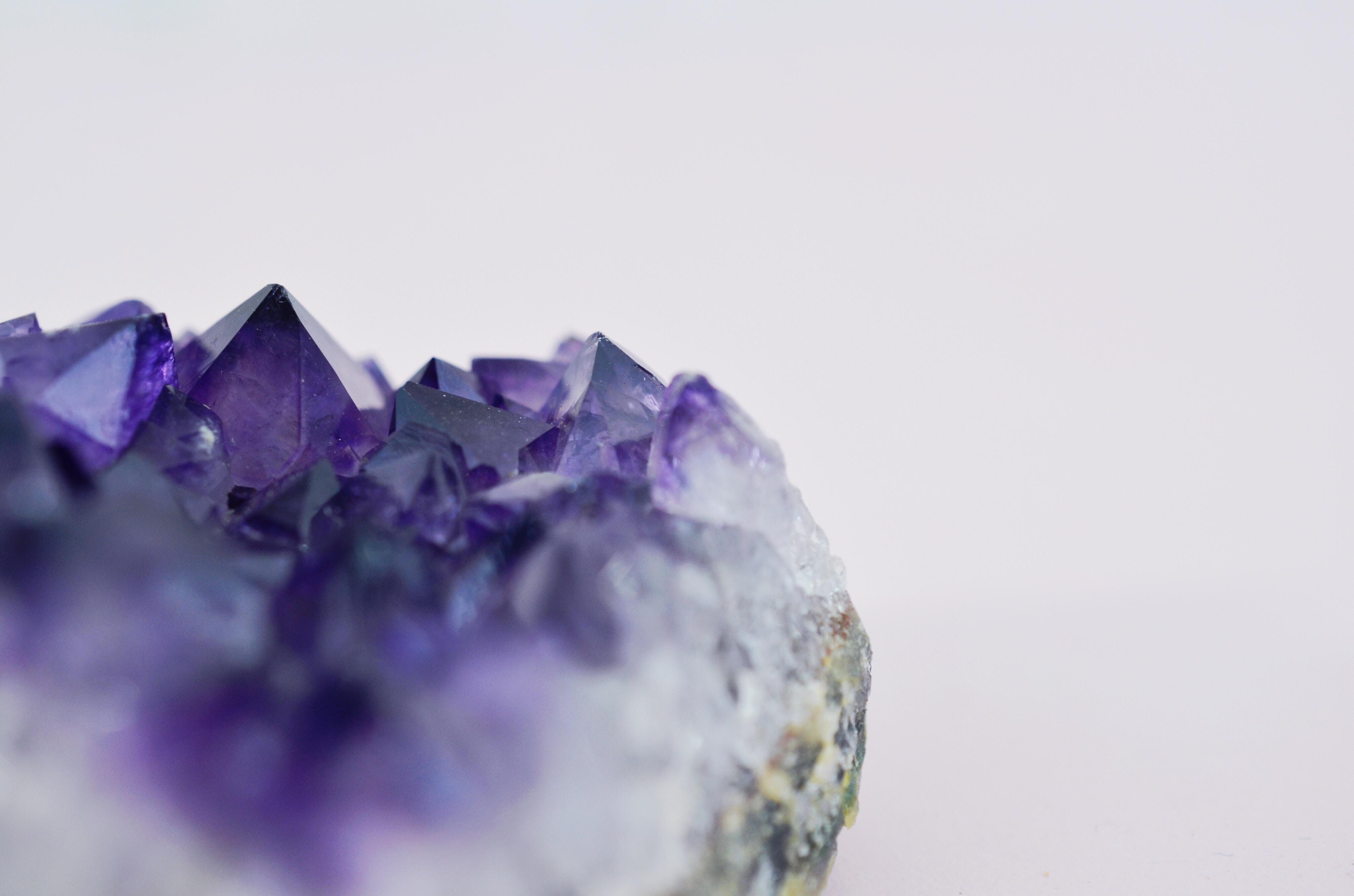close-up photo of purple geode