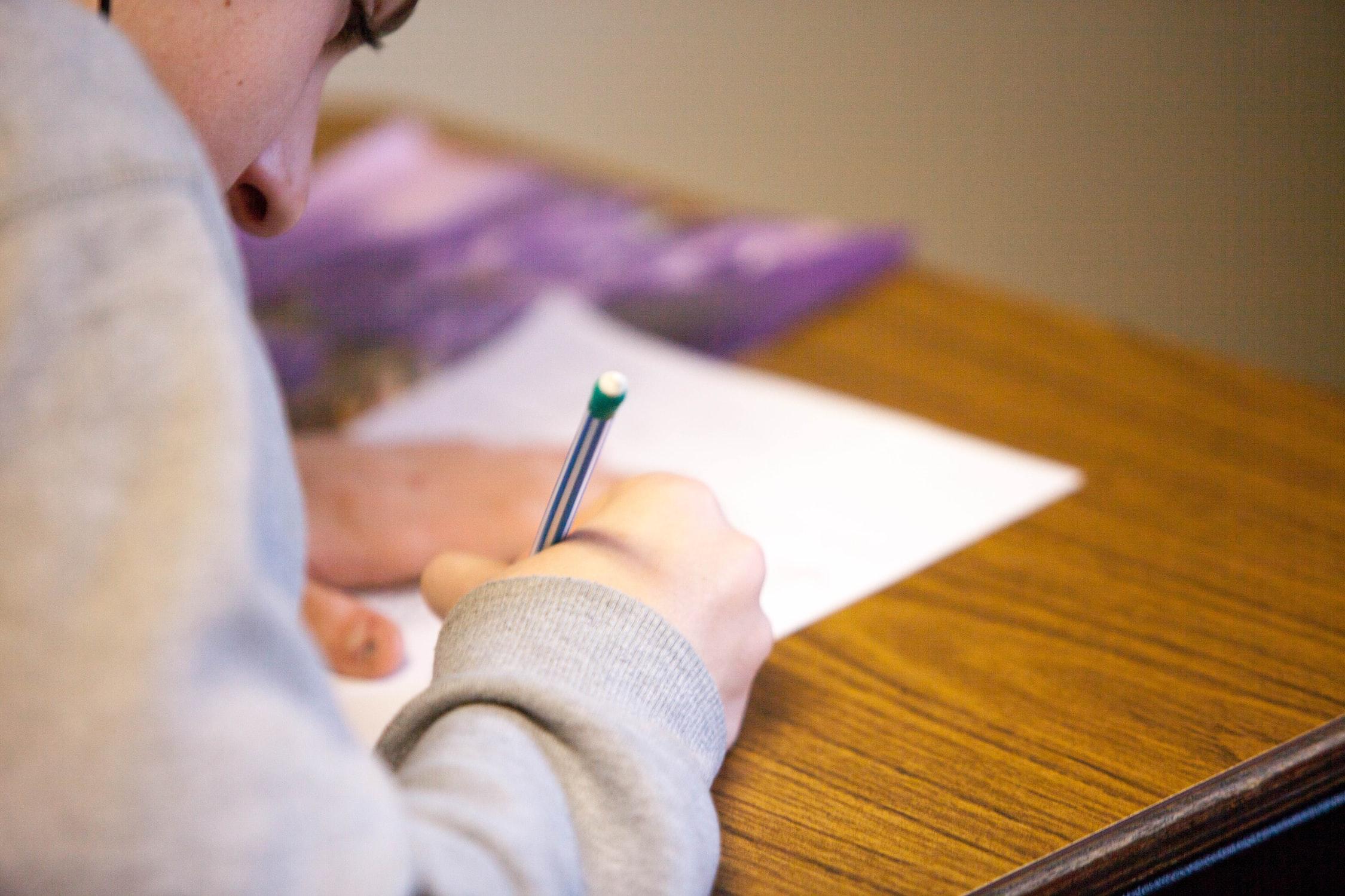 共通テストのために民間の英語試験を受験したほうが良いのか?
