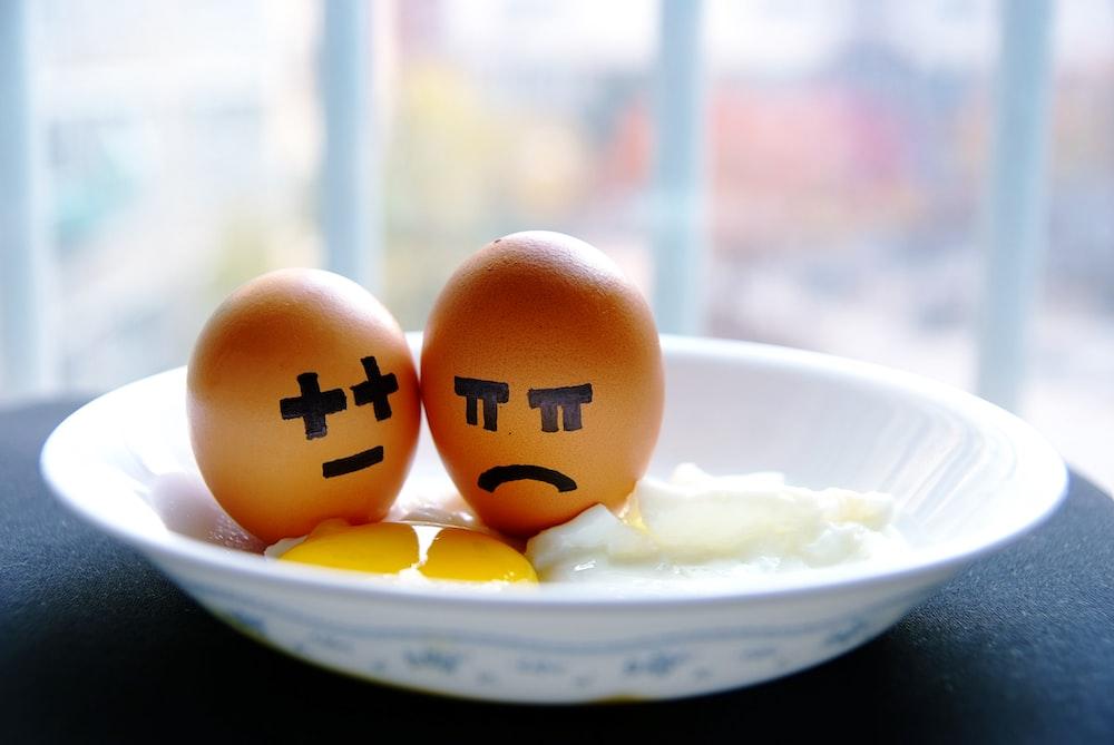 fried egg in bowl
