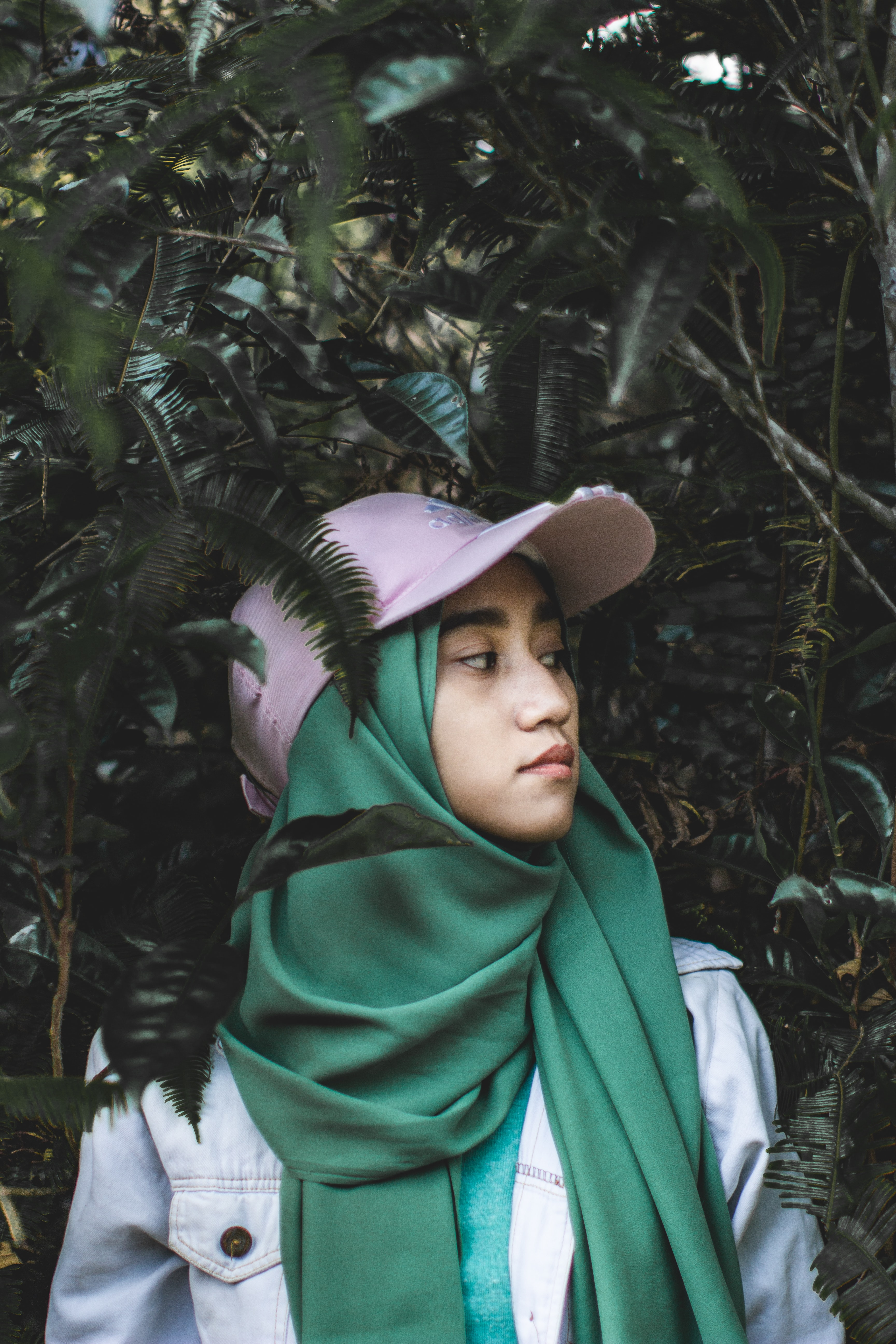 Image of: Niqab Woman Standing Between Trees Stylostreet 500 Hijab Pictures hd Download Free Images On Unsplash