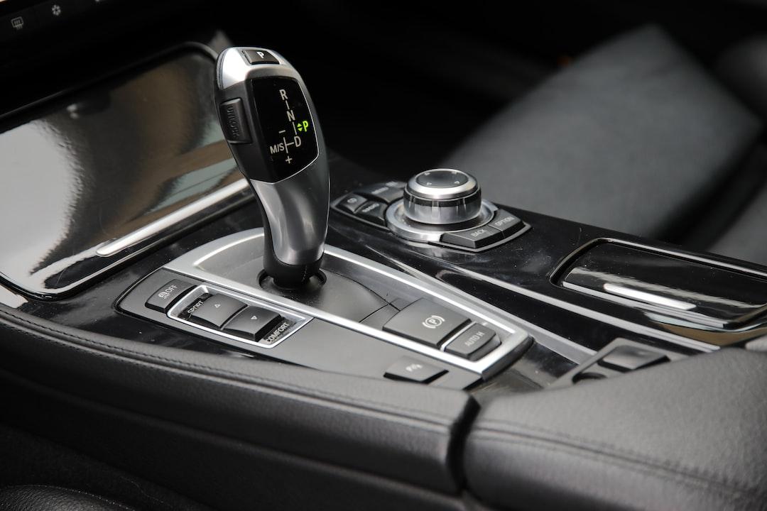 Le permis de conduire boite automatique: avantages et inconvénients