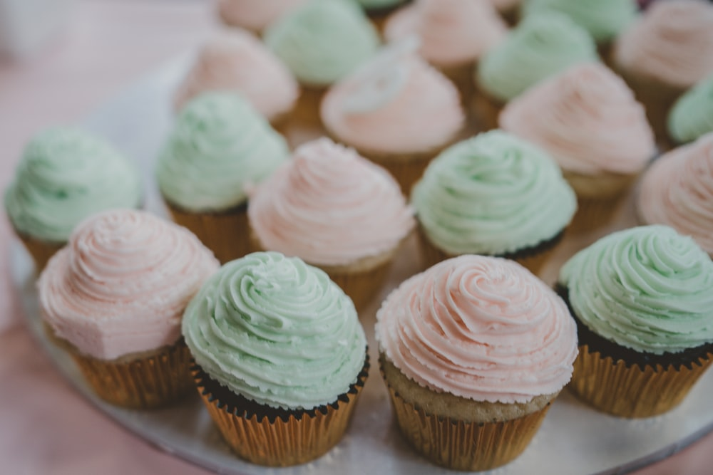 cupcakes with icings