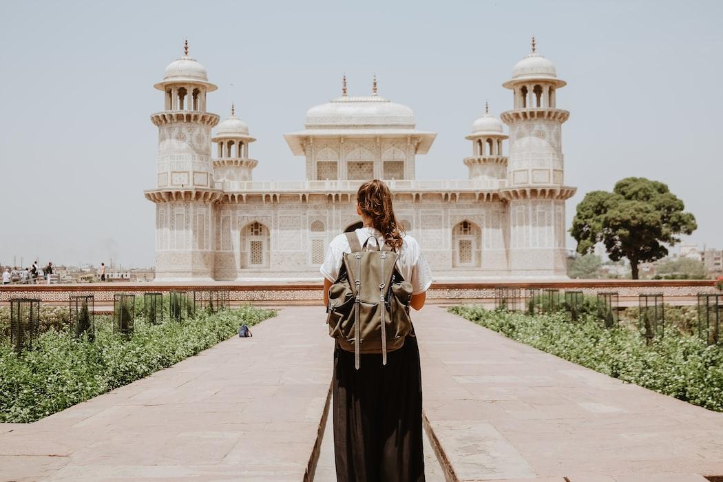 Traveling dengan 1001malam.com