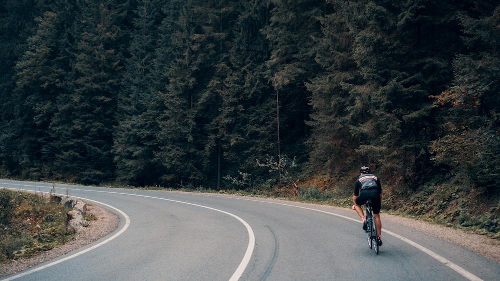 men's black bike helmet