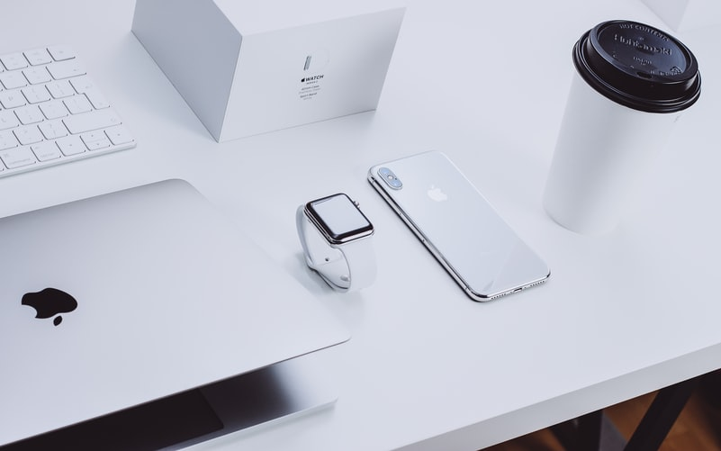 Apple company products photo at a showroom - image source is unsplash