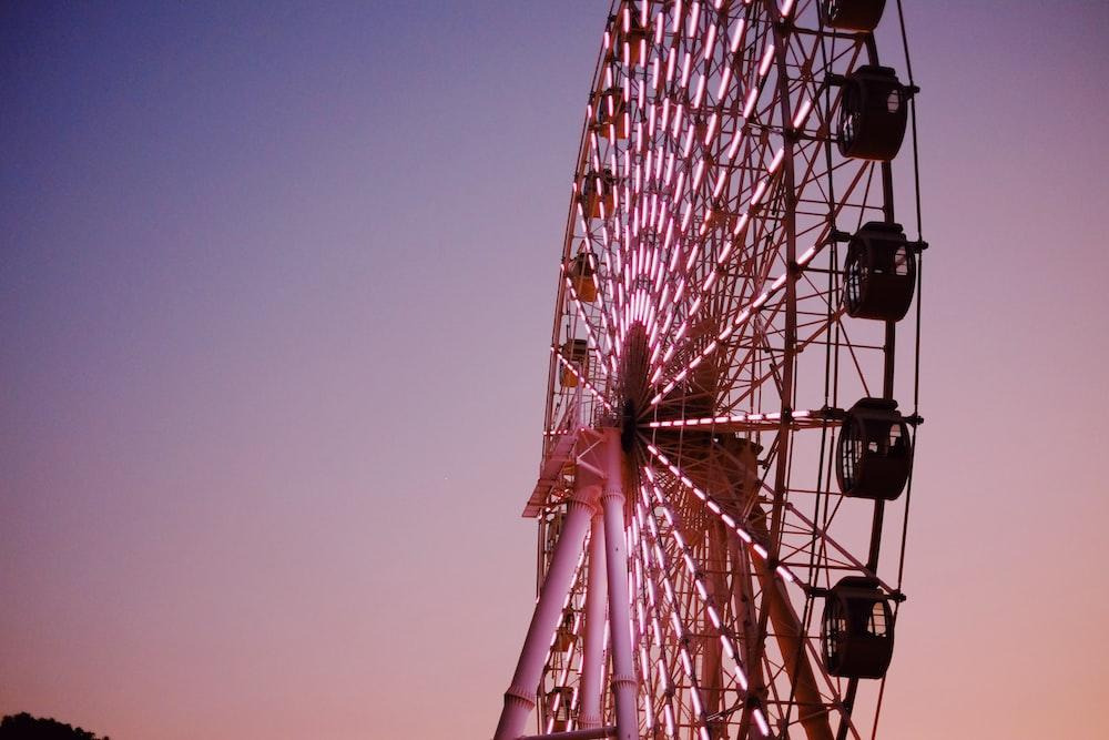 photo of ferris wheel at nighttime