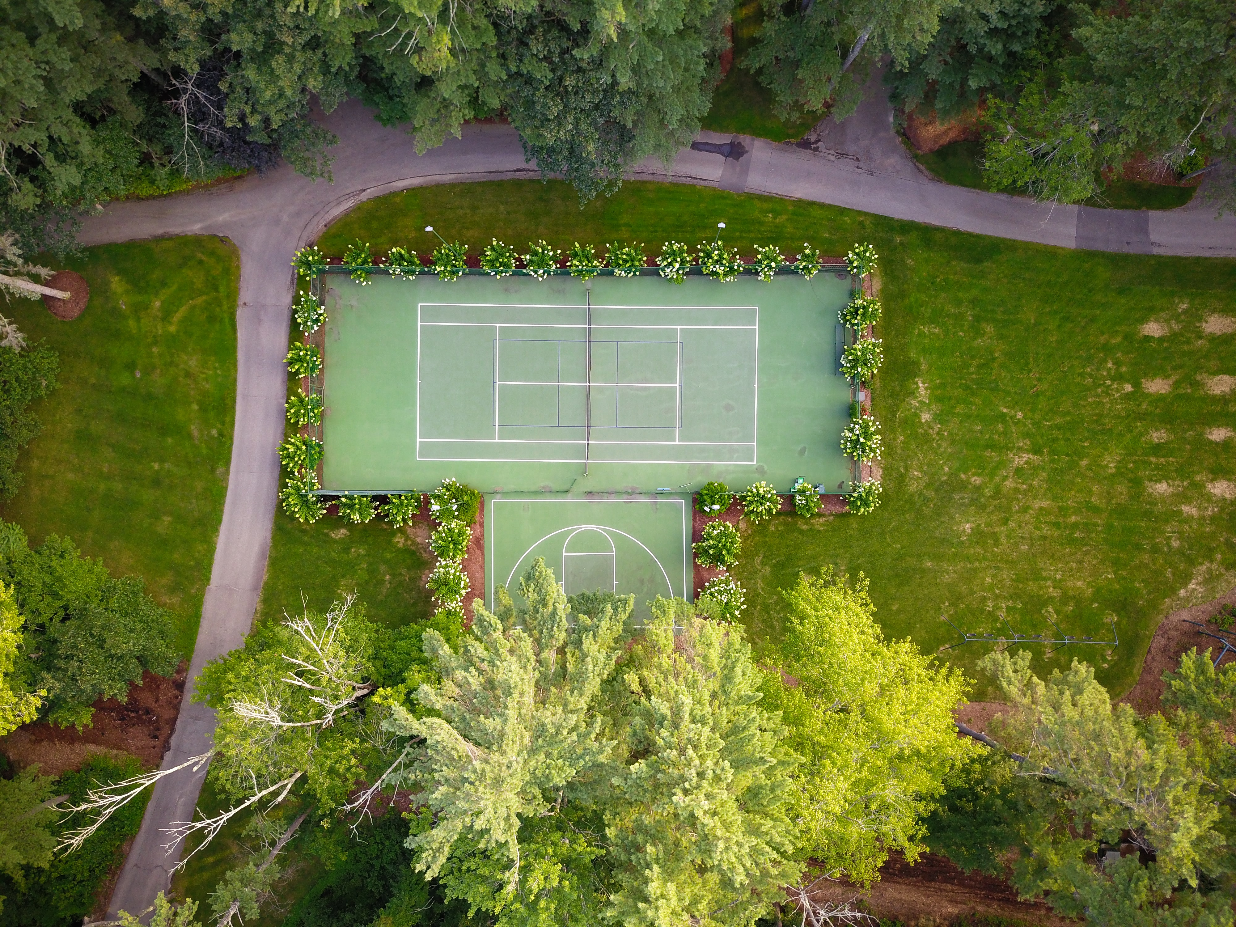 top view photo of tennis court