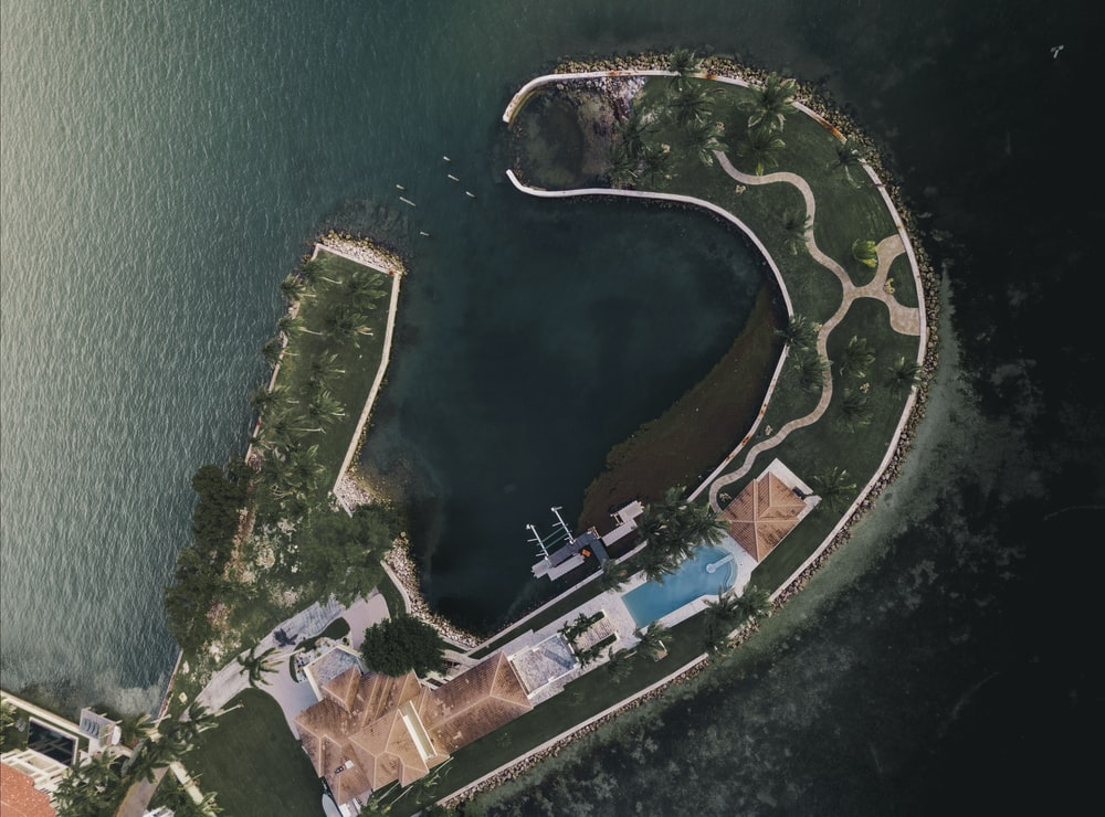 aerial view photography of isle