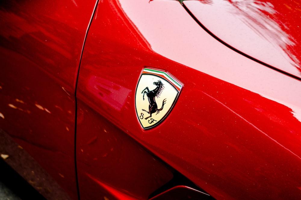 red Ferrari emblem