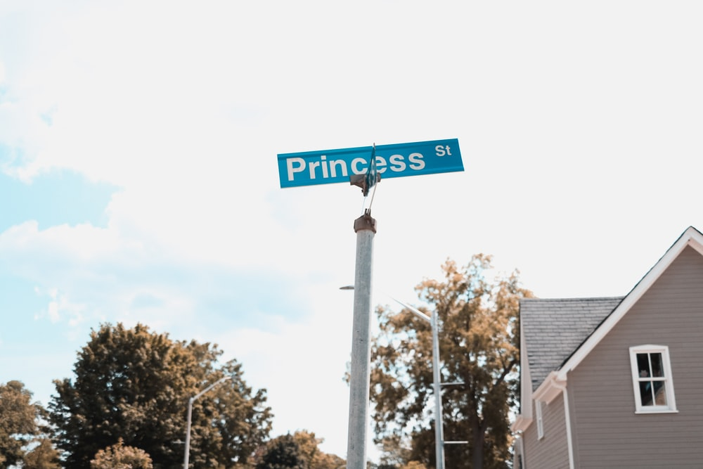 Princess St signage during daytime