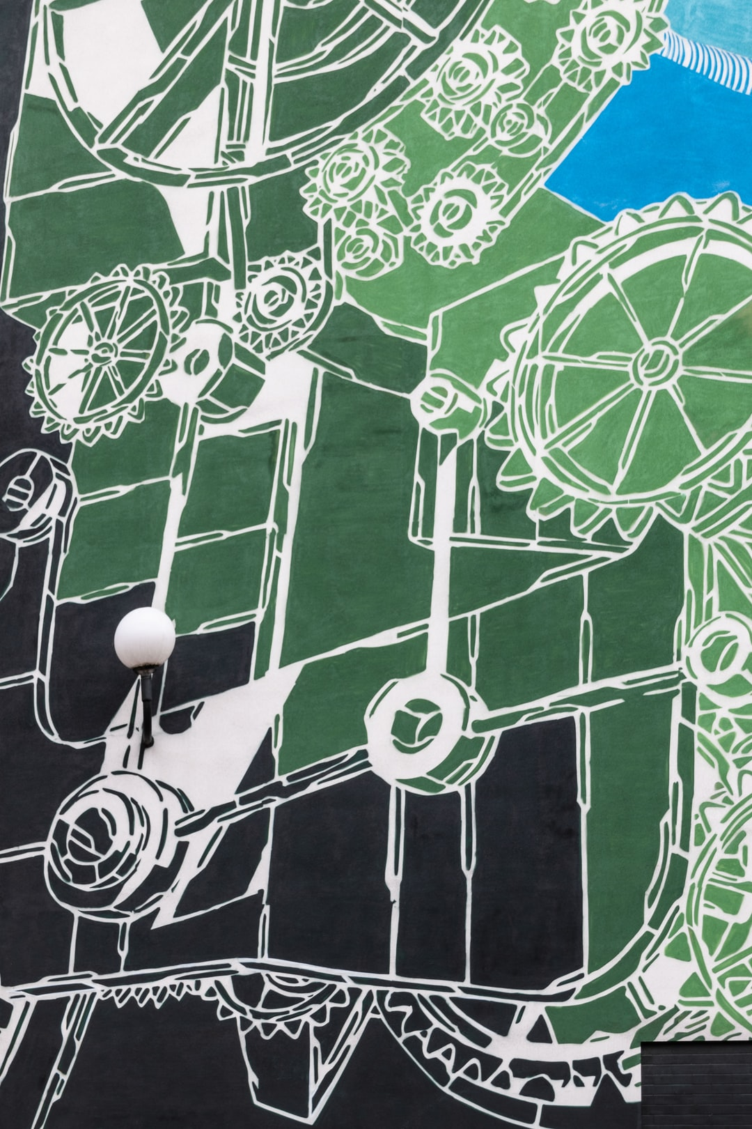 I found this mural last weekend during my visit to Bielsko-Biała. It refers to the textile industry.