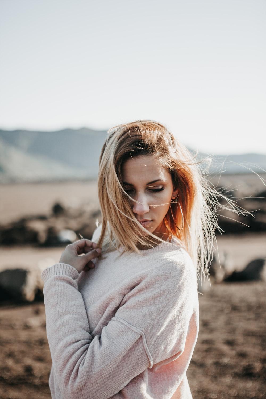 women's gray crew-neck sweater