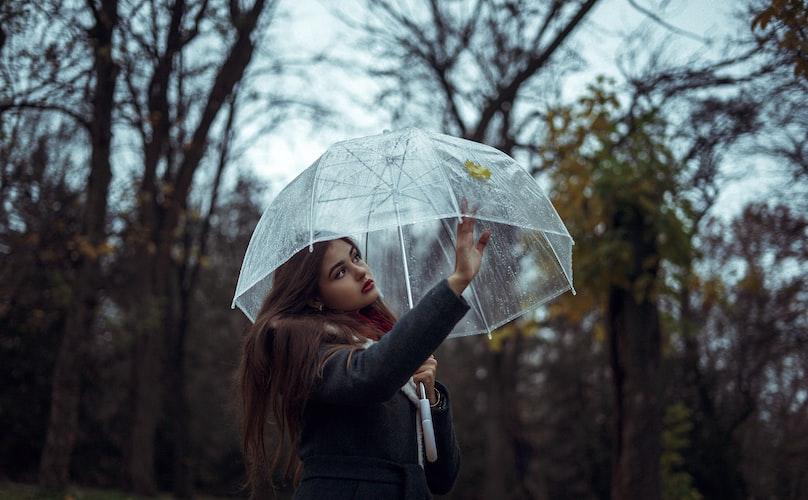 Ingin Tetap Bisa Menikmati Liburan di Musim Penghujan? Intip 3 Tips ini!