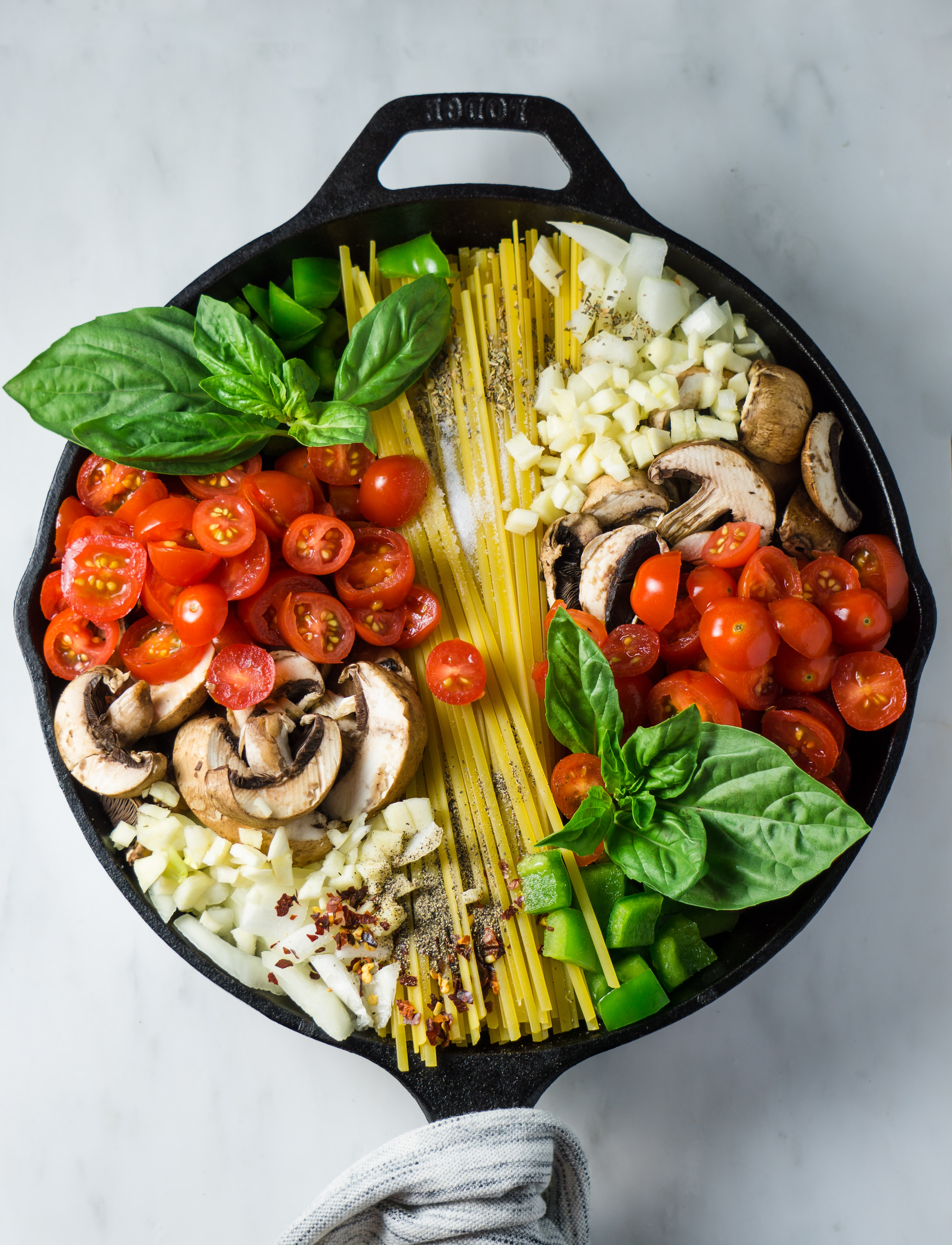 vegetable pasta on cooking pan