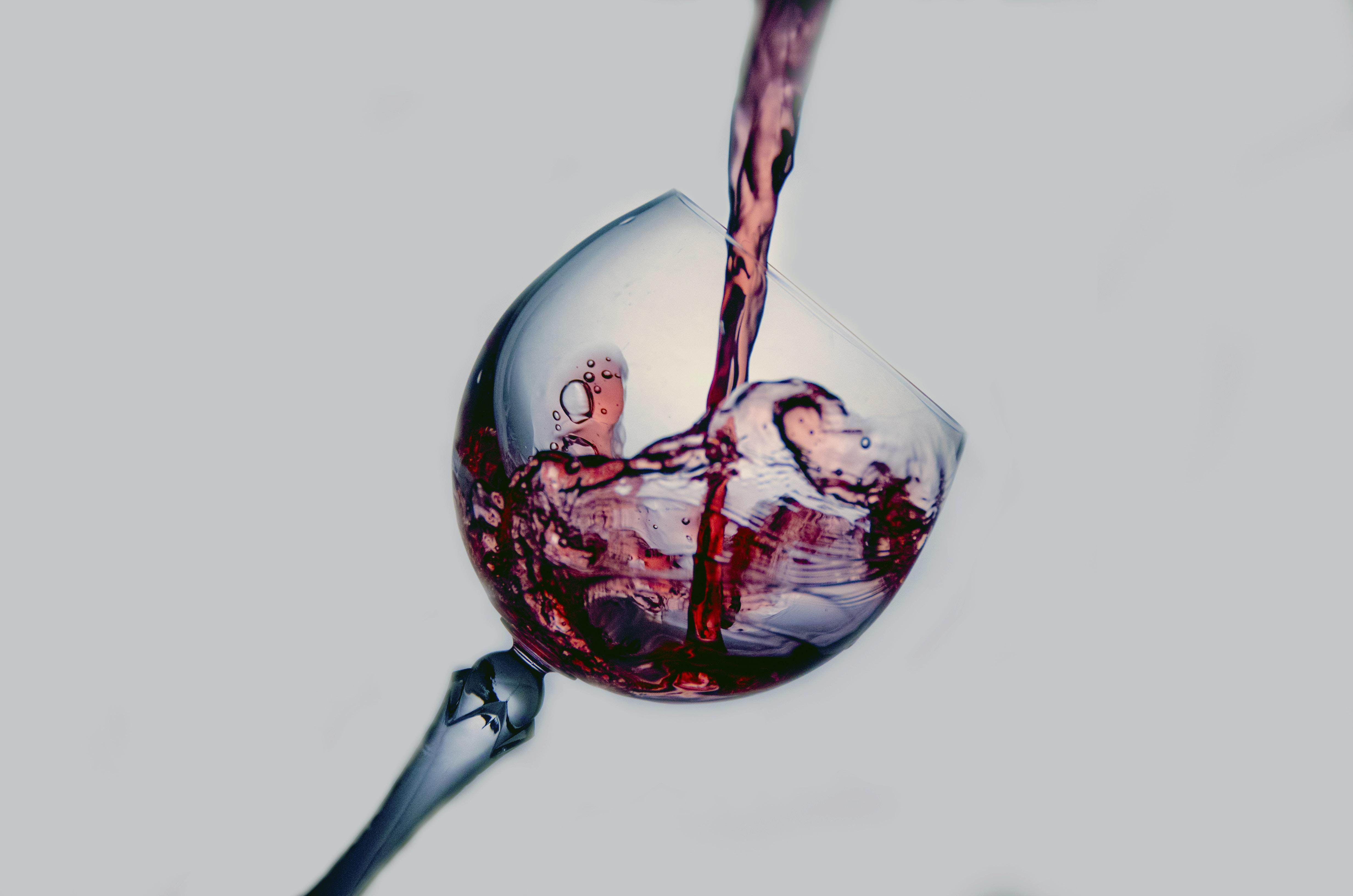 red wine digital wallpaper